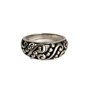 Vintage Sterling Silver Scroll Dome Band Ring 925